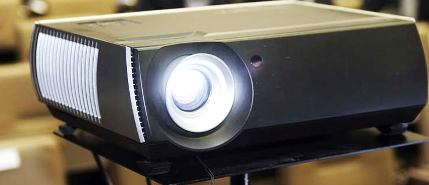 DLP Versus LCD Projectors
