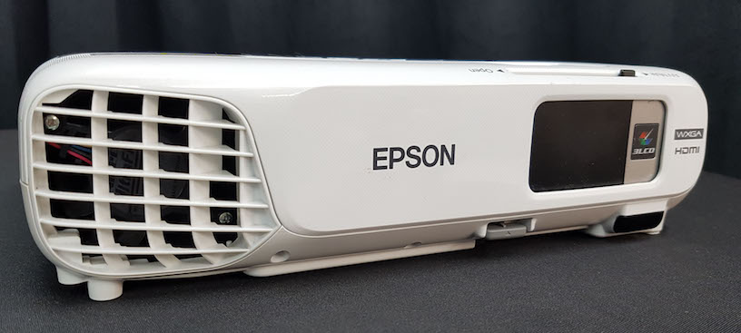 Epson EX3220 projector