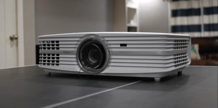 Optoma-UHD60-projector
