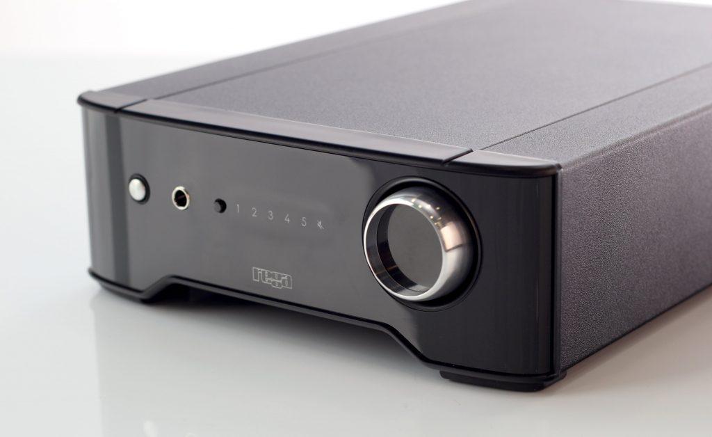 rega-brio-stereo-amp-2