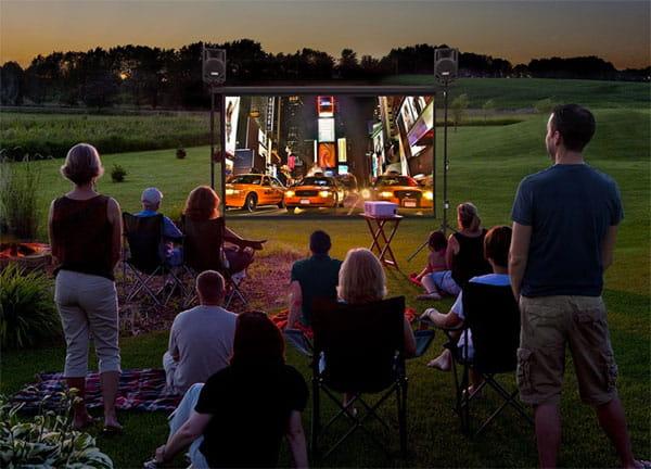 backyard-movie-projector-under-500